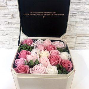 Muilo gėlių puokštės